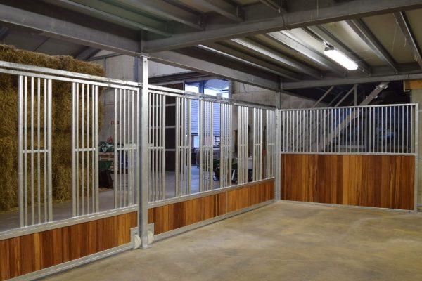 Façade de box élevage Feeding Wall galva bambou